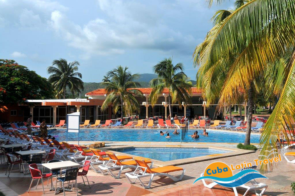 Hotel club amigo marea del portillo hotel a cuba cuba for Piscinas portillo